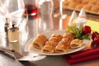 Kleine saucijzenbroodjes met appel